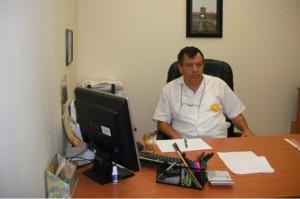 יעקב מלאך, במשרדו במפעל באריאל
