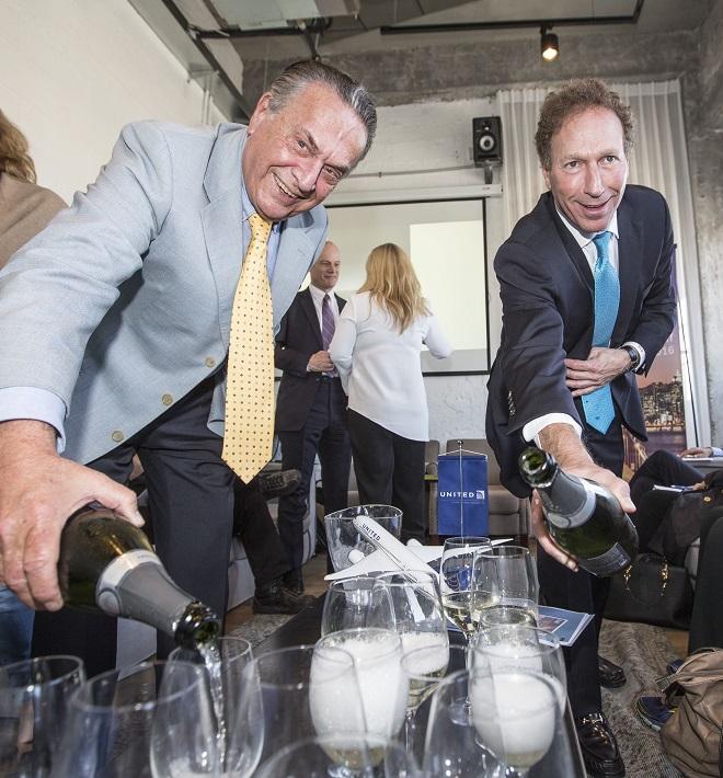 """מנכ""""ל יונייטד איירליינס בישראל אבי פרידמן (משמאל) וסגן הנשיא למכירות גלובל דייב הילפמן"""